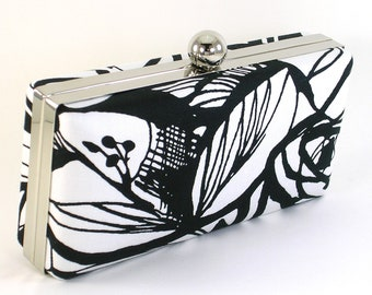 Box Clutch Purse - Black and White Flower Evening Bag -  Clamshell Floral Handbag - Minaudière
