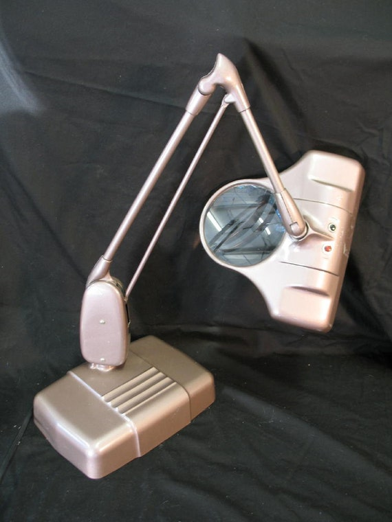 Vintage Dazor Floating Lamp With Magnifier