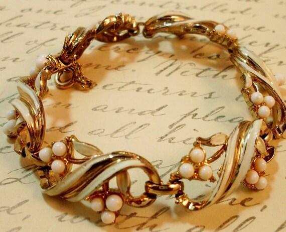 Vintage 1940 Coro Bracelet White Enamel