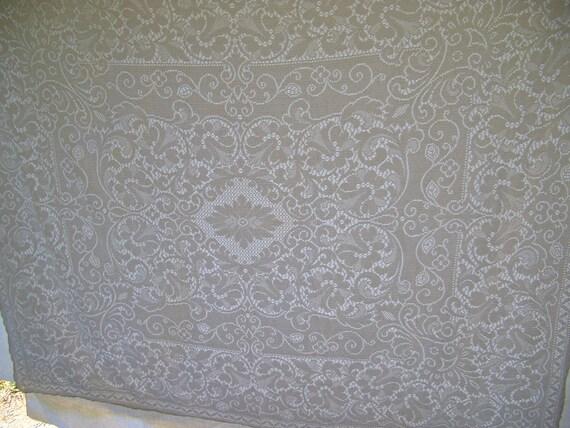 Vintage Tablecloth White Quaker Lace