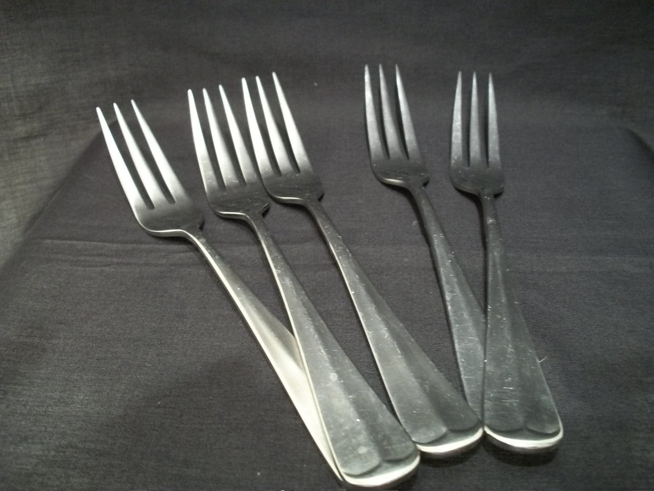 Retroneu 18/8 Three Prong Salad Forks Set of 5 Heavy by GiniCrafts