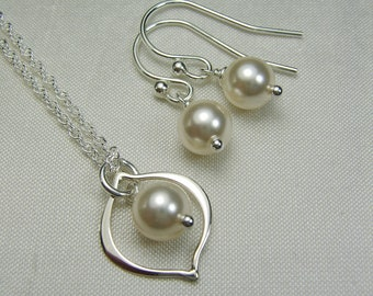 Pearl Bridesmaid Jewelry Bridesmaid Gift - Bridal Necklace and Earring Set - Ivory Pearl Wedding Jewelry Set