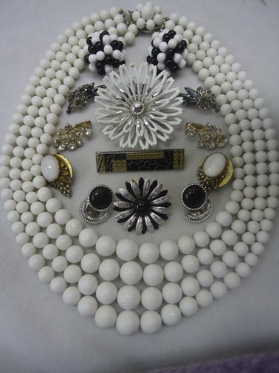 SALE Vintage Jewelry Lot  Flower Power Bouquet Enamel Lot Jewelry