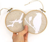 Rustic Christmas decor - Bird decoration - Party favors - Ornaments set of two (2) - Natural and white wooden embroidery hoops