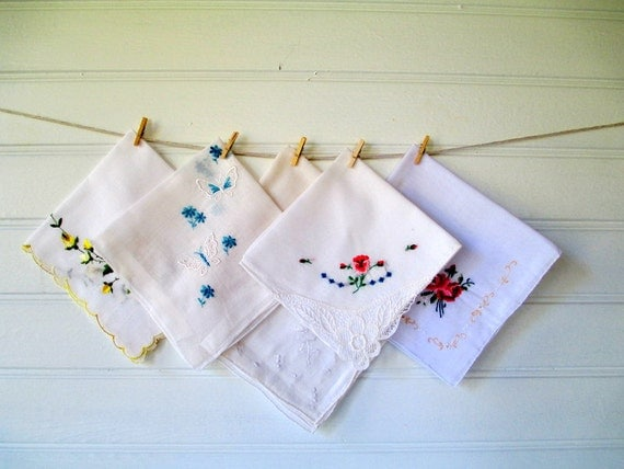 Vintage Handkerchief Set of FIve, White Hankies Hanky Set, with Embroidery Cross Stitch Embellishments