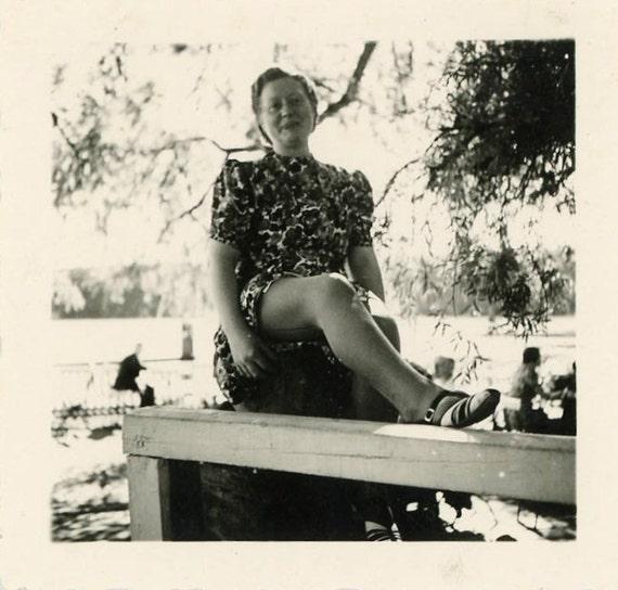 "Vintage Photo ""Sexy Leg"", Photography, Paper Ephemera, Snapshot, Old Photo, Collectibles - 0019"