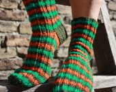 24 cm /// 9,5 inches Cute and Soft hand knitted socks - Unisex - Medium Size - US Men 6 /// Women 7,5 /// EU 38