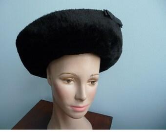 Vintage ELSA SCHIAPARELLI faux fur black hat