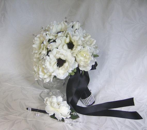 Elegant White Bridal Bouquet : Black and white bridal bouquet boutonniere piece set