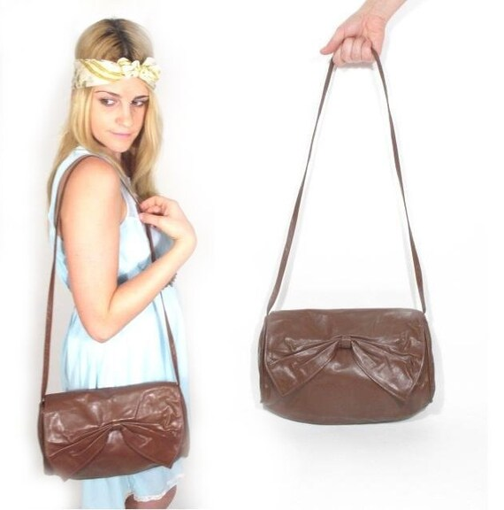 1980s Brown Leather BOW Purse.
