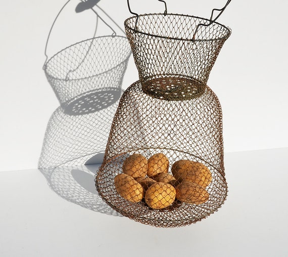 Vintage french wire basket fishing creel collapsible for Fish wire basket