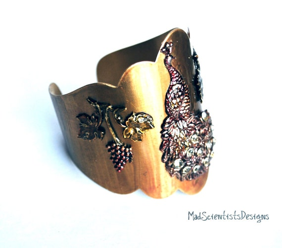 Victorian Cuff - Peacock and Grapes