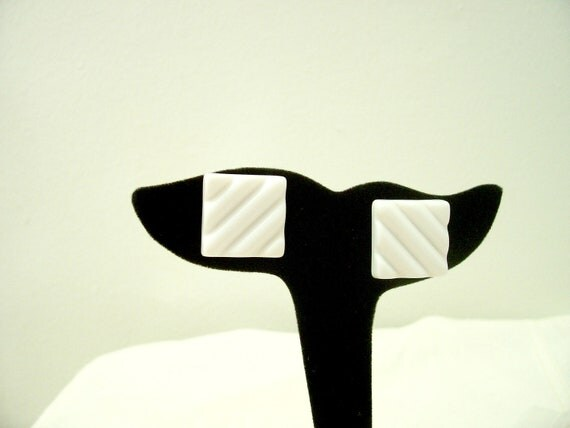 Clearance Vintage  1970's Plastic Whilte Post Earrings
