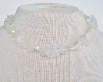Vintage 1986 Avon Frosted White Lucite Faux Pearl Flower Floral Leaf Choker Length Romantic Dimensional Necklace in Original Box NIB