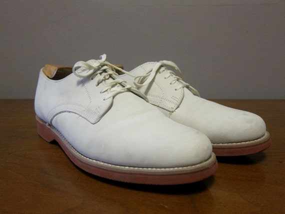 how to clean dirty white suede shoes