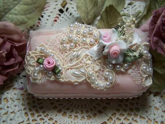 Victorian lace soap - Victorian romantic soap - Provence embellished soap - Rose Petals Soap