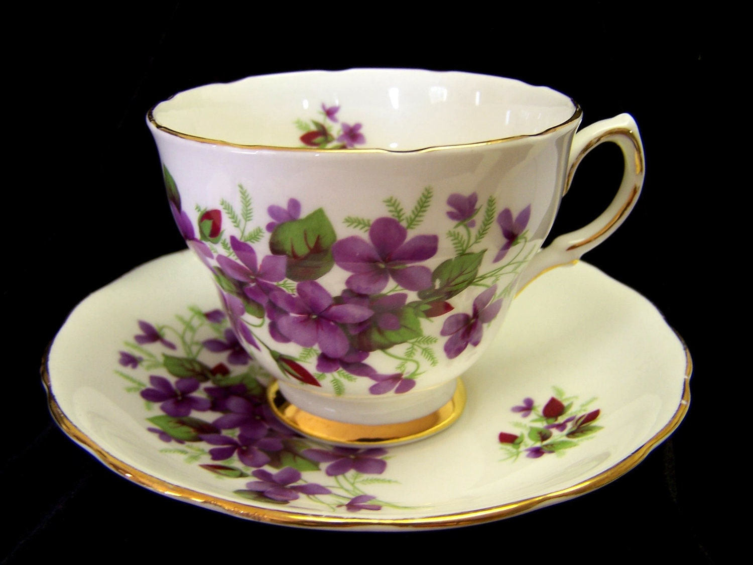 colclough bone china made in england violets cup. Black Bedroom Furniture Sets. Home Design Ideas