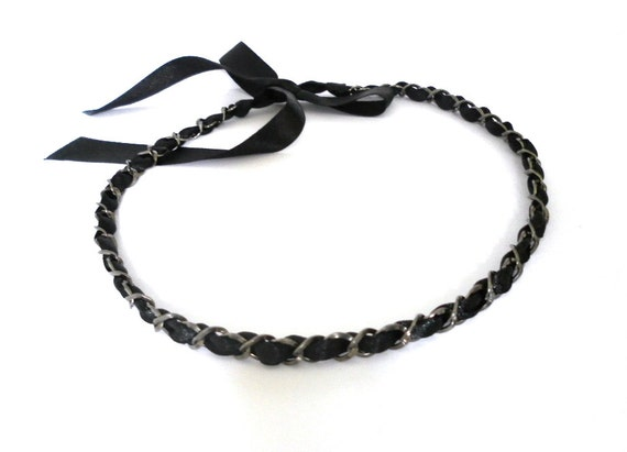 Short black necklace. Chain choker. Ribbon necklace.