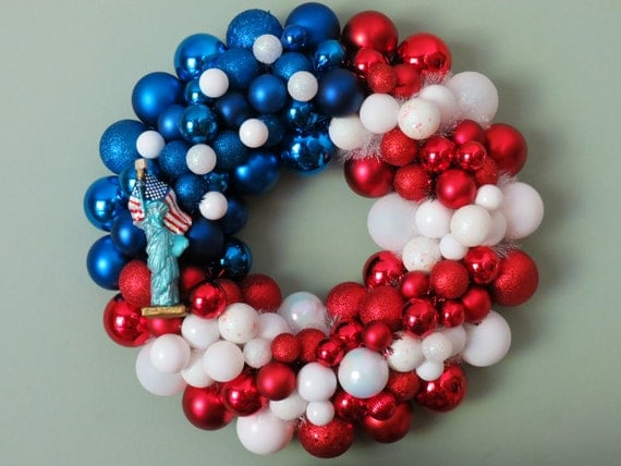 Large USA FLAG Ornament Wreath with Statue of LIBERTY