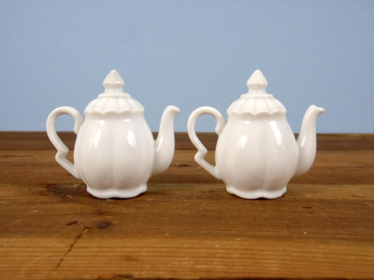 Salt And Pepper Shakers Antique White Porcelain Tea Kettle