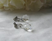Gorgeous vintage clear crystal drop earrings silvertone screw on backs