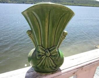 green pottery vase, USA, pottery