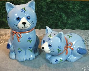 Vintage Salt and Pepper Shakers: Otagiri Blue Calico Cat Salt & Pepper Shaker Set