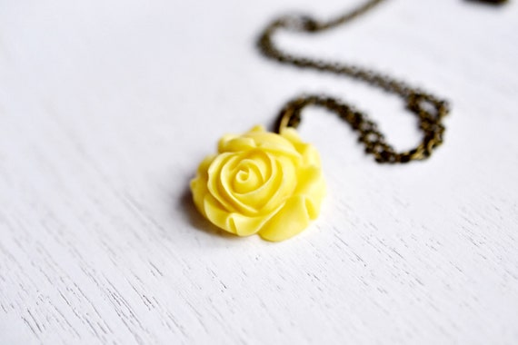 Sunshine Yellow Flower Necklace,Rose Flower necklace,Rose Bud Pendant,Yellow Jewelry,Bridesmaid Gift,Flower Blossom,Cabochon,Resin Flower,