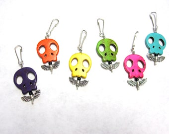Day of the Dead Charms Sugar Skull Party Favors 6 Pendants Zipper Pulls Keychains
