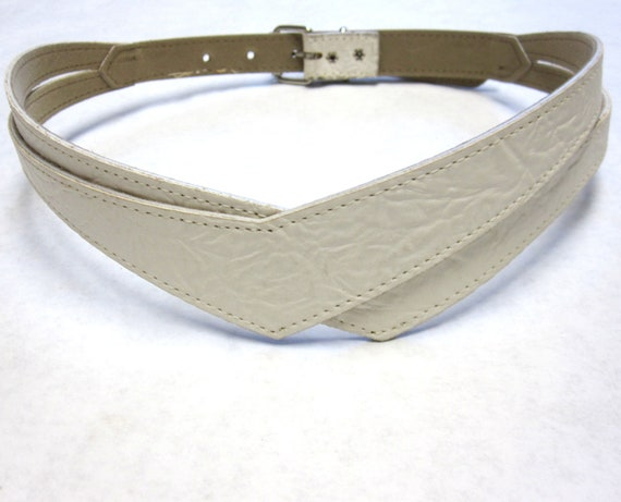 wide white cinch belt vintage 80s fashion by sweetie2sweetie