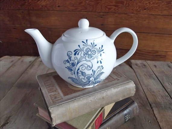 Teapot with Blue Swedish Rosemaling Floral Design