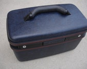 Fantastic Vintage Samsonite Train Case - Check out all of our cases