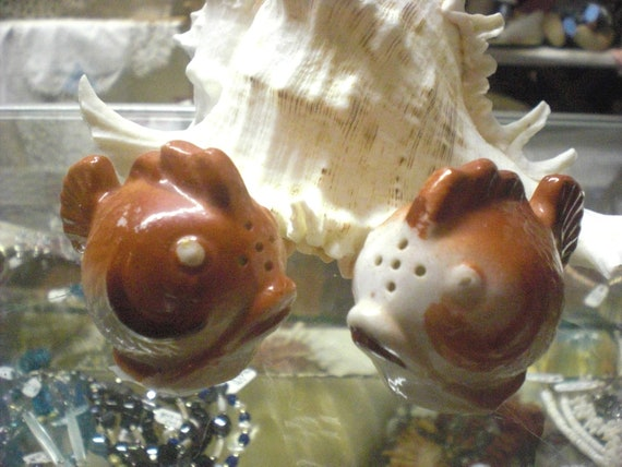 Fish Salt And Pepper Shakers By Mossyrosecb On Etsy