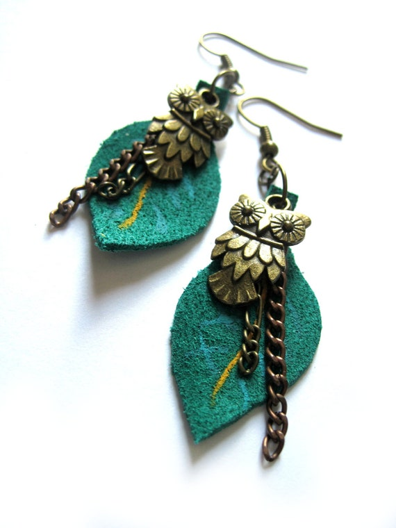 Leather earrings - teal earrings - Owl, woodland, Leaf earrings - Handpainted leather, painted leather - Owl charms, brass, chains