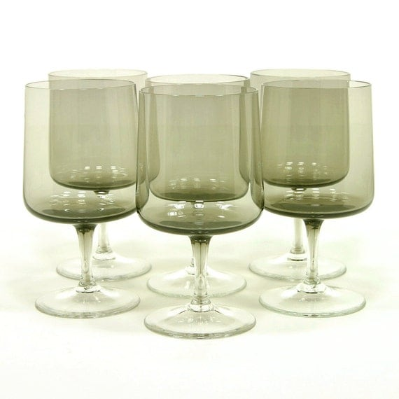 Smokey wine glasses set of 6 stemmed wine by zoedesignsvintage for Thin stem wine glasses