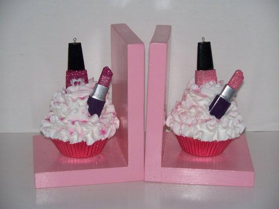 Cosmetic Fake Cupcake Book Ends Nail By FakeCupcakeCreations