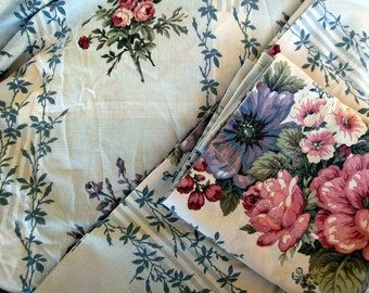 Double Sheet Bottom and 2 Pillow Cases Cabbage Roses Floral