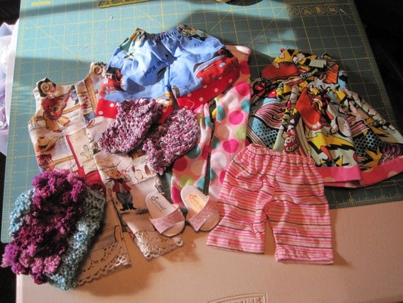 American Girl doll clothes....doo dads, play clothes, 8 pieces
