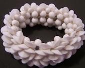 White Plastic Bead Bracelet BR5261