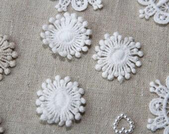 Snow Flower - White - S Size - Lace Fabric Doily Trim - 2 Pcs