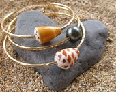 Gold Bangles, Tahitian Pearl Hawaiian Shells, 3 Thick Hammered Bracelets, Hawaii Beach Jewelry, Christmas Gift Idea, Surfer Girl, Mermaid