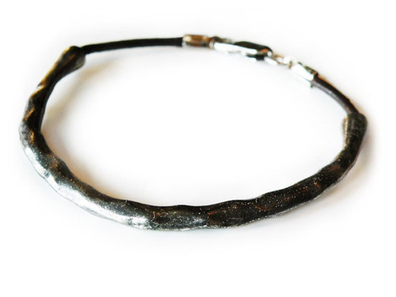 hammer head - hammered silver accented leather bracelet