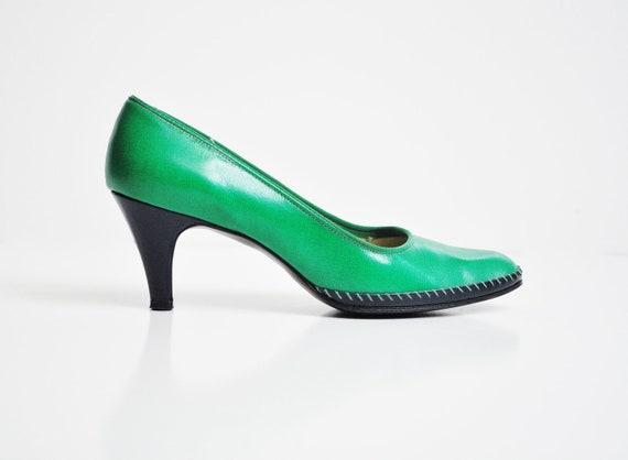 Vintage Kelly Green Heels - Size 5-6