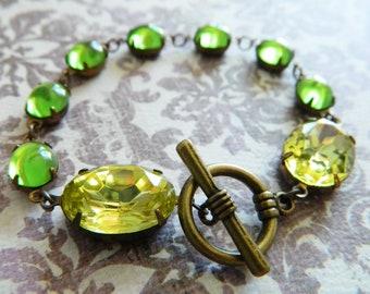 Green Bracelet, Chartreuse Bracelet, Peridot Green, Bohemian Bracelet, Retro Jewelry, Vintage Bracelet, Vintage Green Jewelry, Fall Jewelry