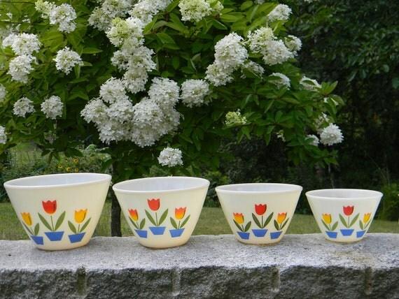 4 pc. Fire King TULIP Nesting Mixing Bowl Set