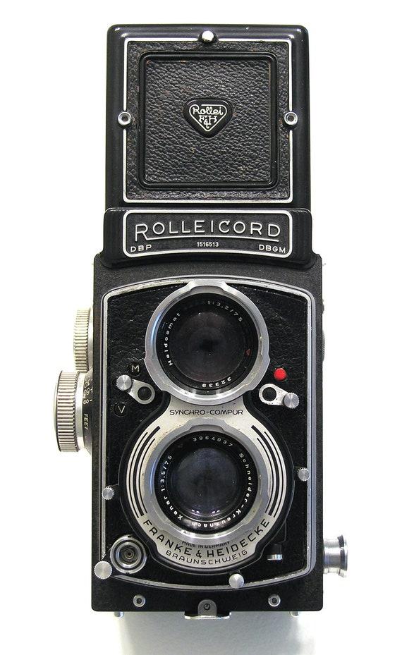 Rolleicord V vintage camera twin lens camera circa mid 1950s