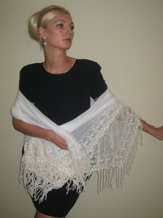 ivory shawl, lace shawl, vintage shawl, wedding shawl