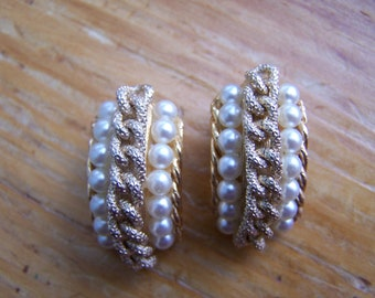 Vintage Faux Pearl Gold Rope Clip On Earrings