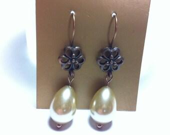 Lucky in Love Copper Clover & Glass Pearl Earrings