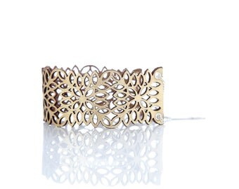 Iskin Victoria Bracelet - Square Leaves - Leather - Contemporary Jewelry - Laser Cut - Cuff